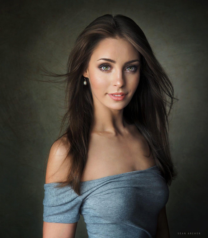 Russian Beauty Natasha With Pi