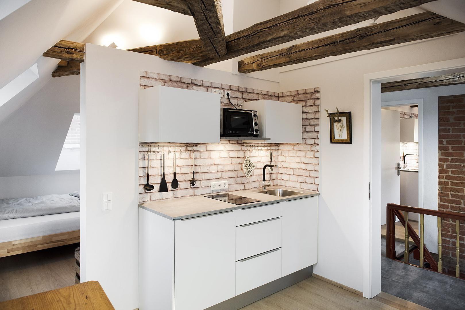 Sanierte Kuche Im Micro Apartment Wohnung Planen Sanierung Familien Haus