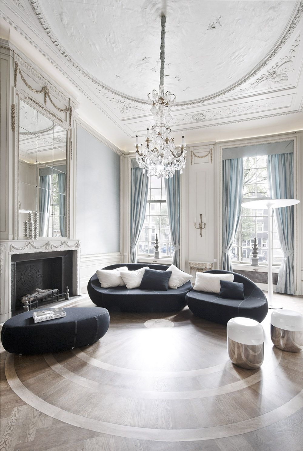 The Flirtstones Sofa And Thx Lamp In Luxurious Reception Rooms For Replay Office Showrooms Herengracht Amsterdam