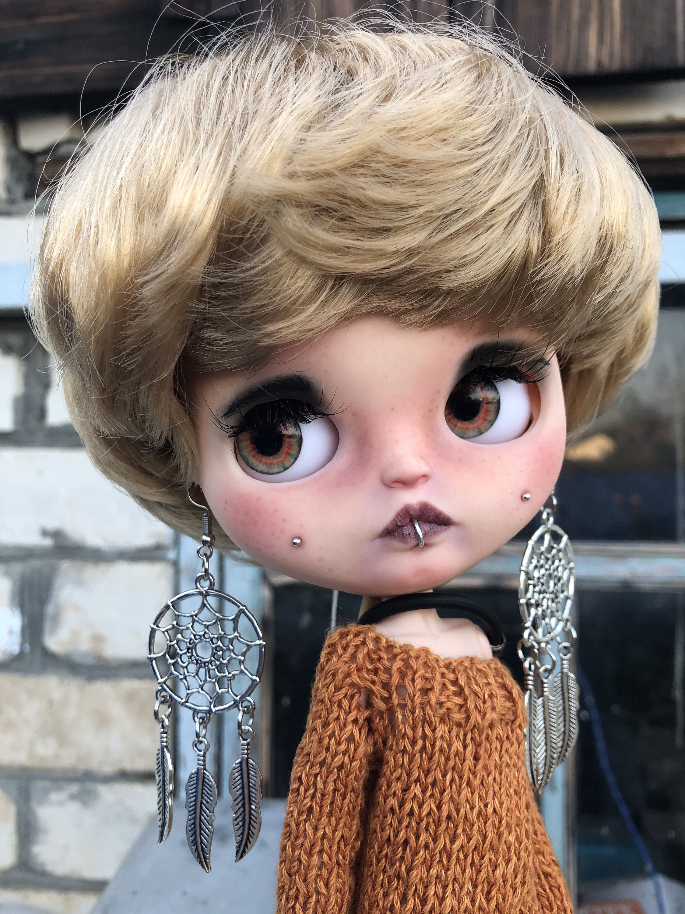 Gale. Custom Blythe doll with blond hair #dollcare