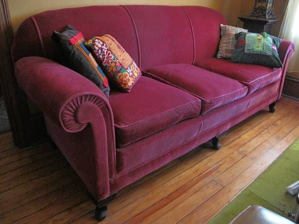 Great Vintage Mohair Sofa   1930s Era   THIS VERY MUCH RESEMBLES THE OLD MOHAIR  COUCH WE