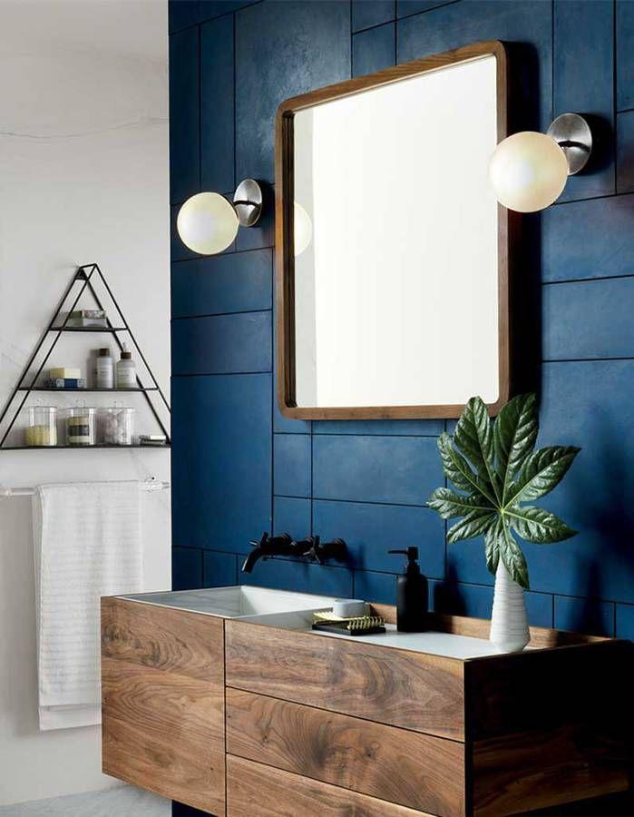 De la couleur dans la salle de bains via un carrelage - Repeindre le carrelage d une salle de bain ...
