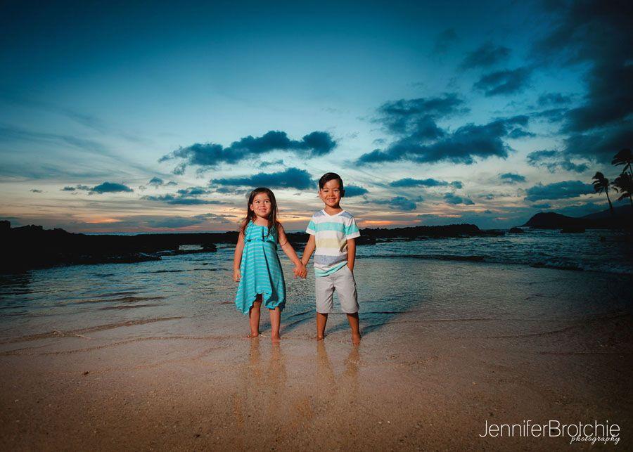 Oahu Family Photography, Waikiki Photographer, Beach Portraits on Oahu, Disney Aulani Resort Photographer, Best Affordable Photographer Family Oahu www.jenniferbrotchie.com