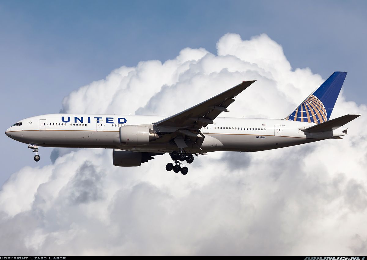United Airlines N793ua Boeing 777 222 Er Aircraft Picture Boeing 777 Aircraft Pictures United Airlines