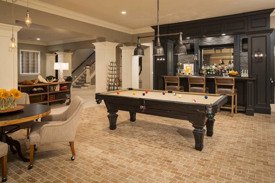 Traditional Game Room With Pendant Light High Ceiling Minnesota - Minnesota fats covington billiard table