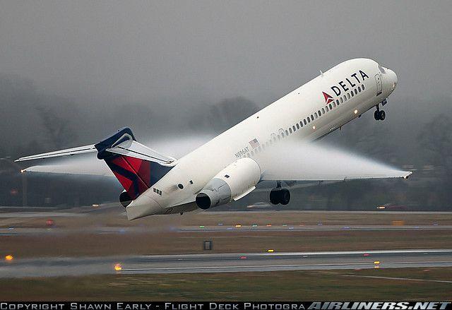 Boeing 7172BD Delta airlines, Aviation, Delta airplane