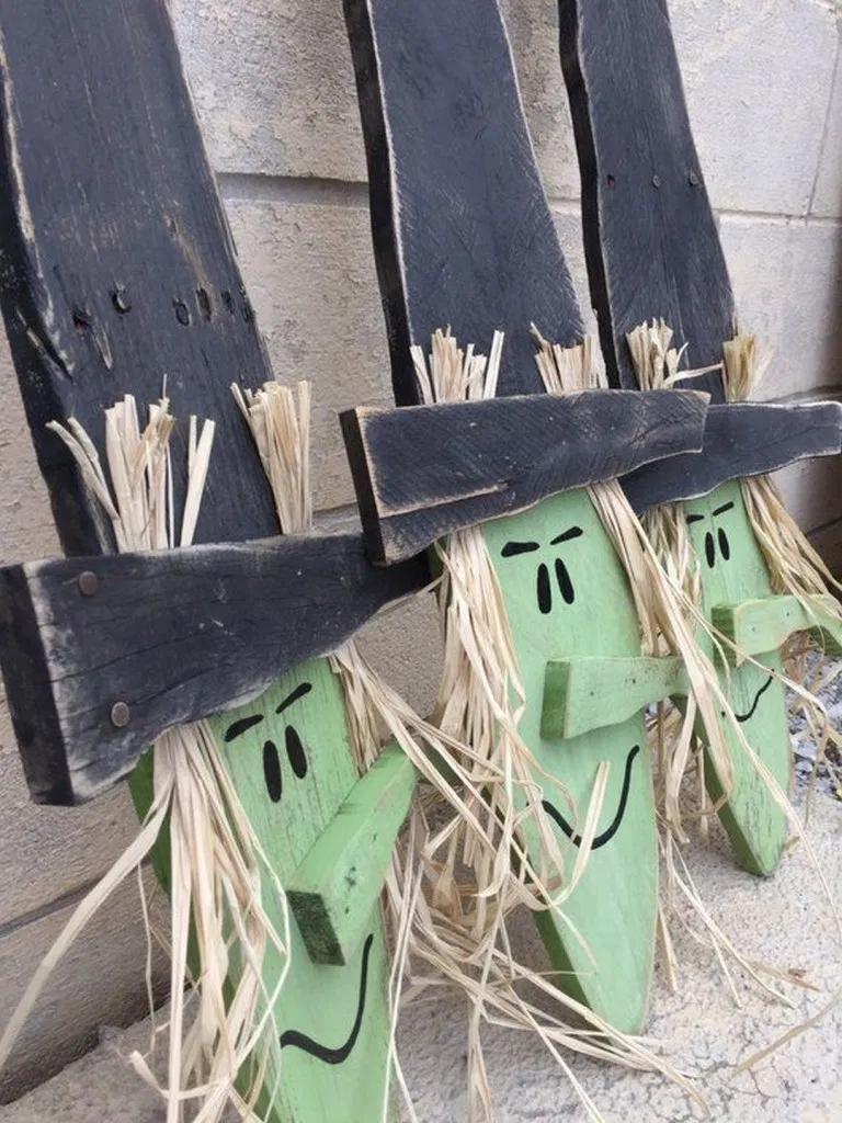 23 Best DIY Halloween Decorations EVER