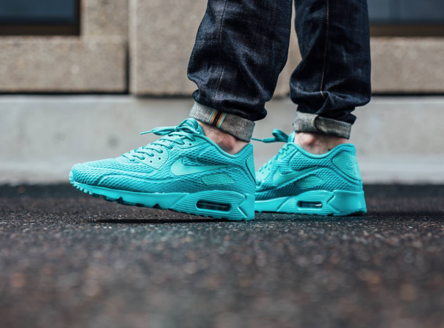 Hyper Jade Coats The Nike Air Max 90 Ultra BR | Spring