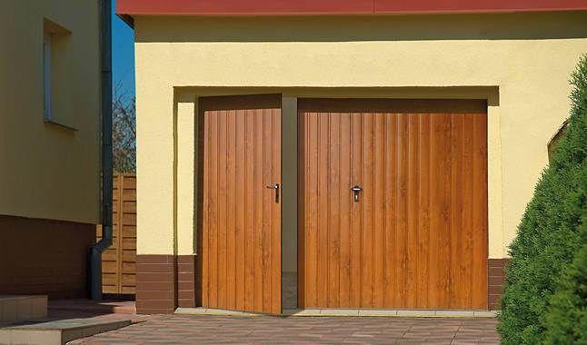 Les Portes De Garage Battantes Portes Clotures Portesetclotures Com Porte Garage Maison Garage