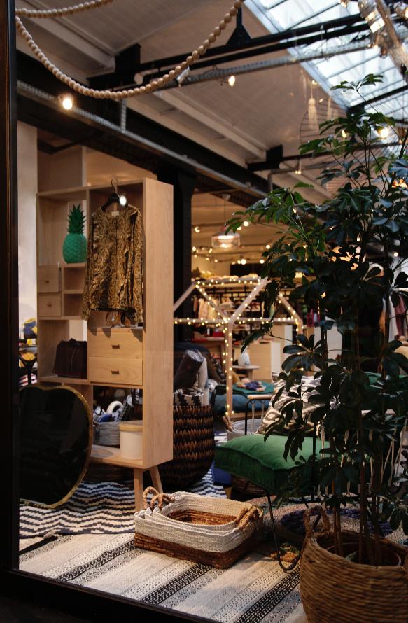 smallable 39 s concept store at 81 rue du cherche midi paris. Black Bedroom Furniture Sets. Home Design Ideas