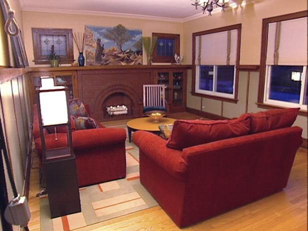 Historic Chicago Bungalow Gets The HGTV Treatment All In Two Days And 2000 Dollars Notice They Preserved Original Stained Glass Windows