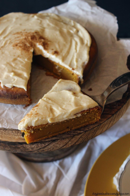 Voll im Herbstrend: Rezept für einen Kürbiskuchen mit Ahornsirup-Frischkäsefrosting #creamfrosting