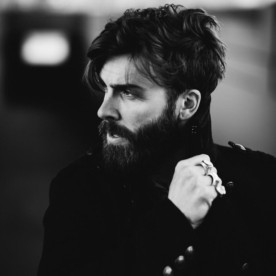 Haircuts for round faces men menswear  style  pinterest  beard styles beard haircut and men