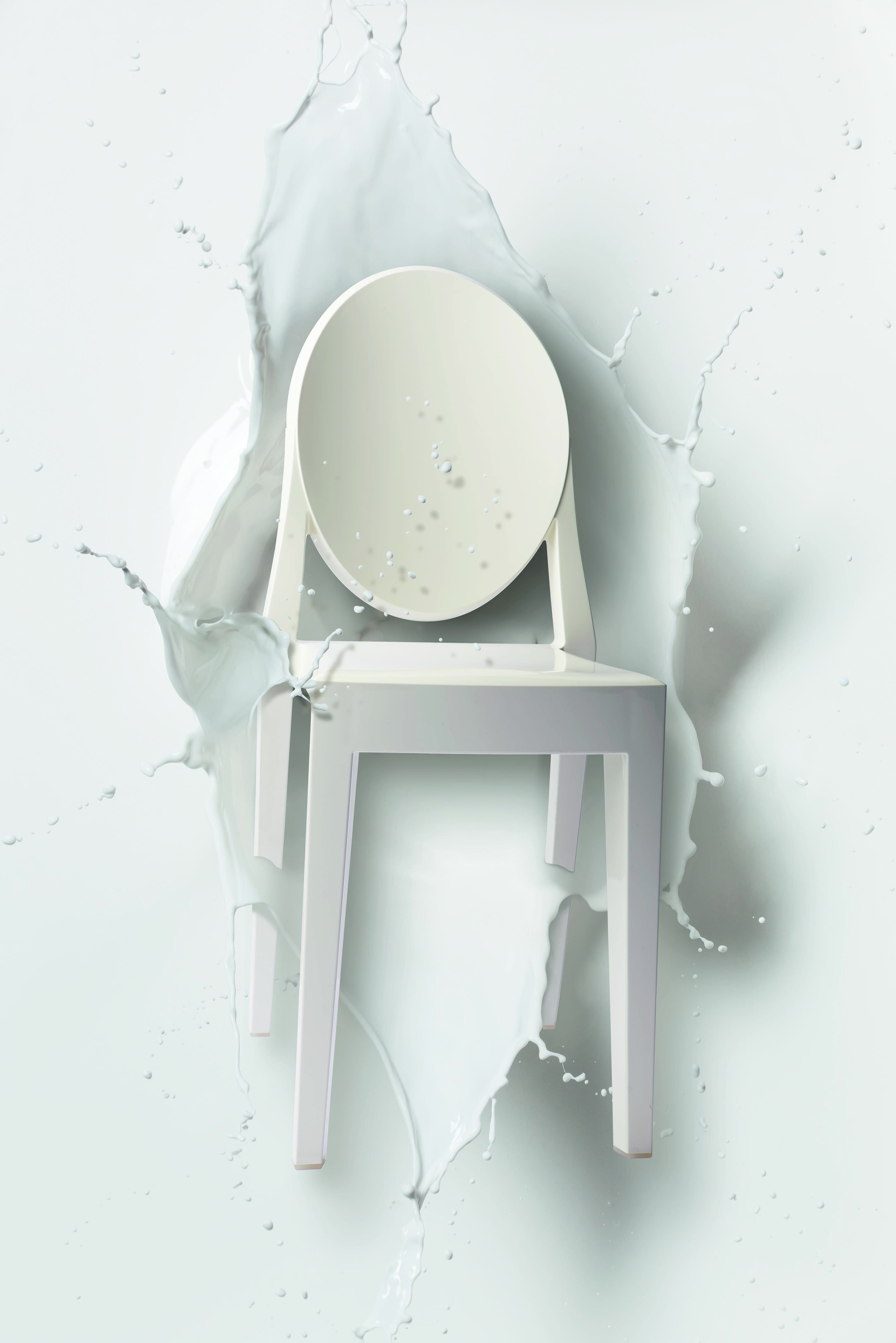 white victoria ghost by philippe starck every diva loves a milk bath kartell loves. Black Bedroom Furniture Sets. Home Design Ideas
