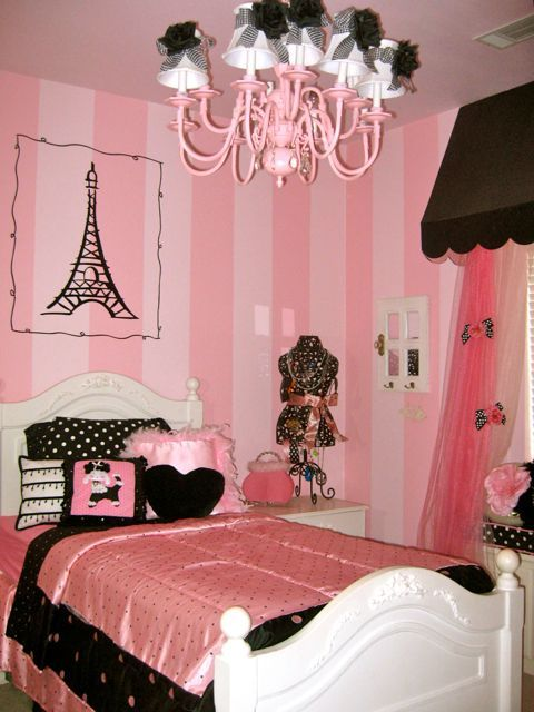 Like the Eiffel Tower on the wall good idea for my soon to be Paris themed  room. pink  paris  and poodles  Love the chandy and the curtains  Ruthy