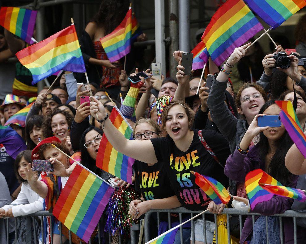 Joyful Photos Show This Weekend's Pride Parades Around The World - BuzzFeed News