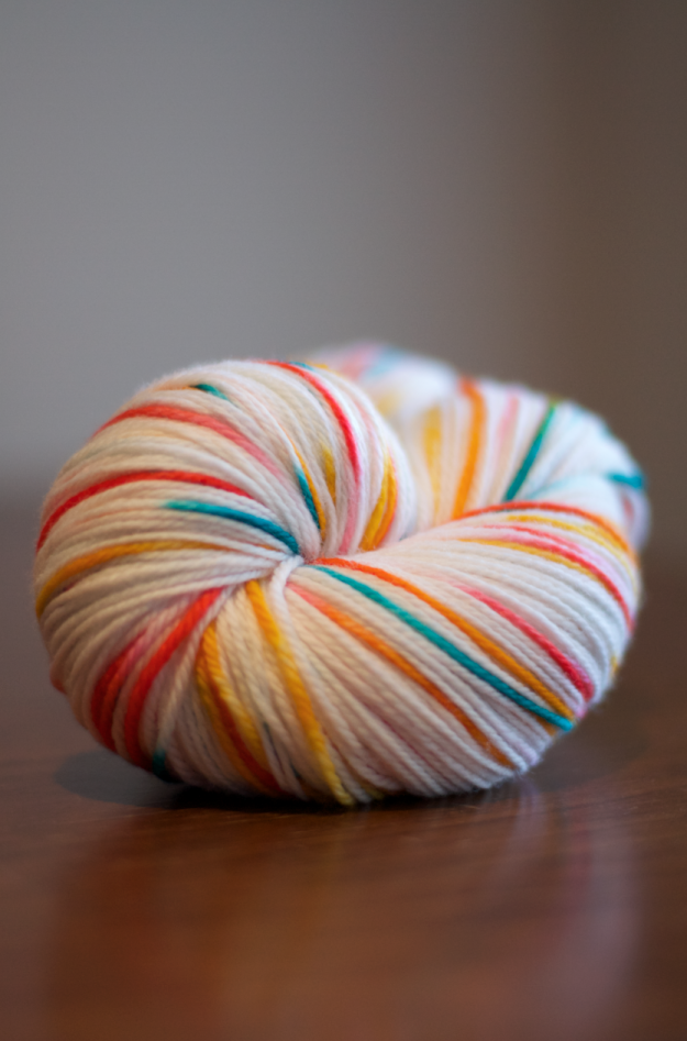 dyeing wool with food colouring… | Yarns, Foods and Dyeing yarn