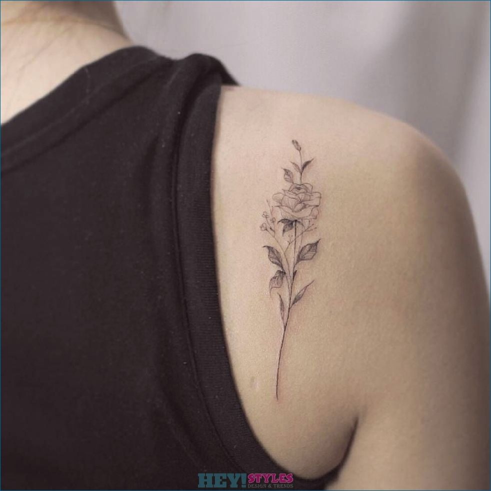 Tattoo Scapula 34 Unique Tattoo Motifs For Men And Women Motifs Scapula Tattoo Unique Women Shoulder Blade Tattoo Flower Tattoo Shoulder Shoulder Tattoo