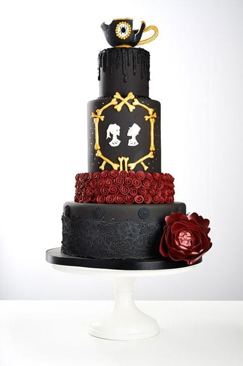 9 Punk Rock Wedding Cakes That Really Crank Up The Volume