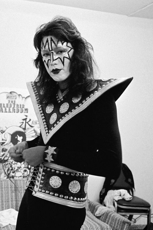 Ace 1974 In 2020 Ace Frehley Vintage Kiss Kiss Pictures