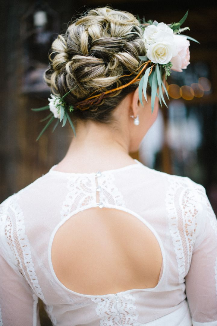 Updo bridal hairstyle + floral crown | fabmood.com #wedding #rusticwedding #weddingstyle #ido #weddinginspiration