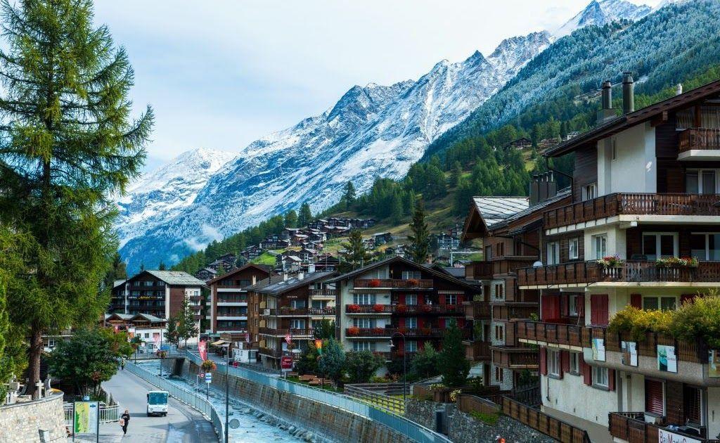 13 Gambar Pemandangan Indah Di Eropa 15 Tempat Wisata Eropa Tengah Untuk Liburan Anti Mainstream Download Liburan Musim Sem Di 2020 Pemandangan Wisata Eropa Tours