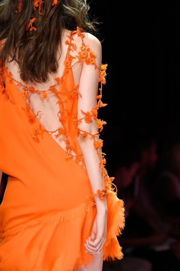 Colors inspirations  Tangerine   http://www.theglampepper.com/2015/10/31/colors-inspirations-tangerine/