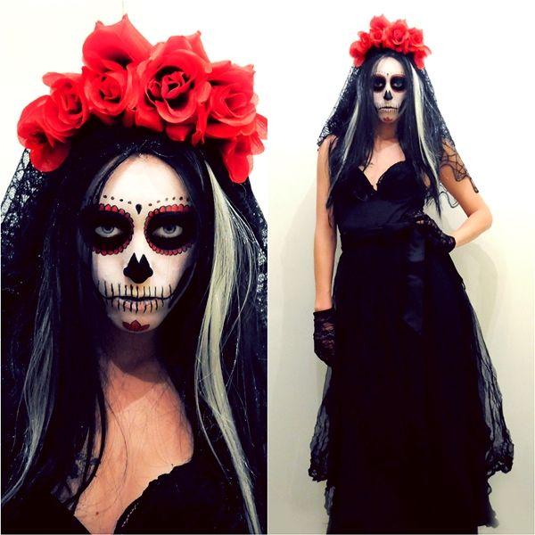 Maquiagem Halloween feminina de caveira Mais 217f8830b26