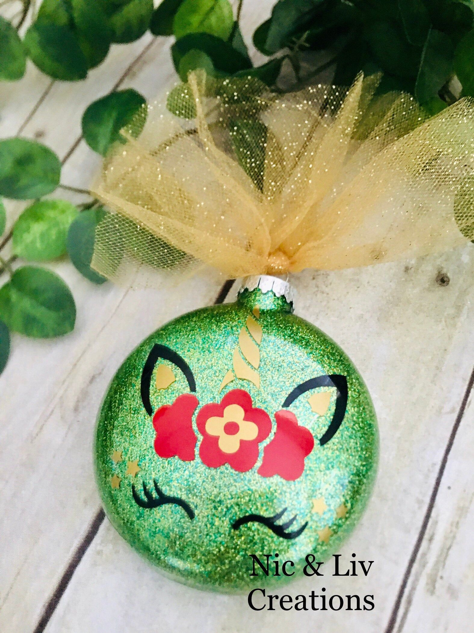 Custom Made Personalized Unicorn Green Glitter Glass Disc Etsy In 2020 Christmas Ornaments Gifts Unicorn And Glitter Green Glitter