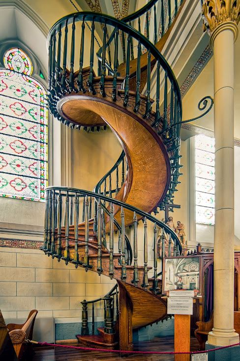 Best The Miraculous Staircase Of The Loretto Chapel What A 400 x 300