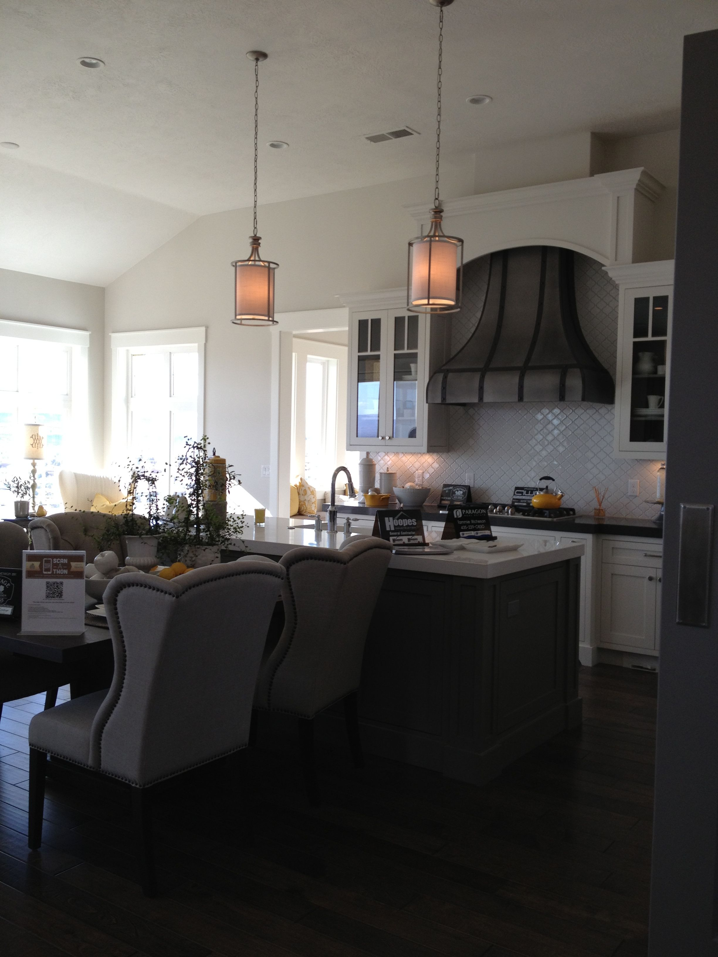 Dining Table Chairs In Front Of Kitchen Island Sitting Area Where Dining Table Would Normally Be Placed Dining Table Chairs Kitchen Colors Kitchen