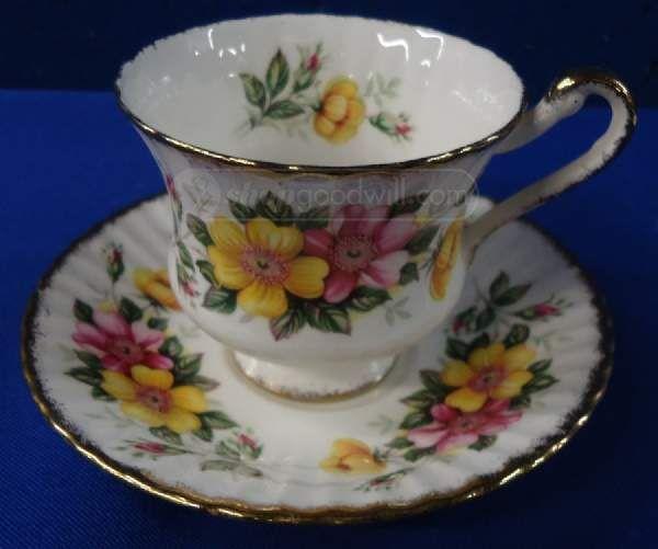 Shopgoodwill Paragon Decorative Tea Cup And Saucer Pretty Tea Simple Decorative Cups And Saucers