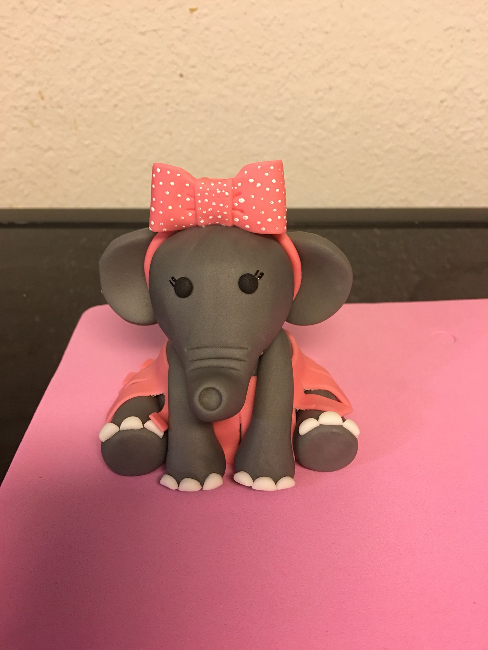 Pin by Kortnie Dotson on My cake creations Novelty lamp