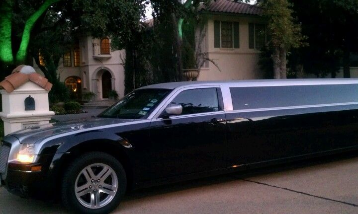 Chrysler 300. Perfect for that special evening.