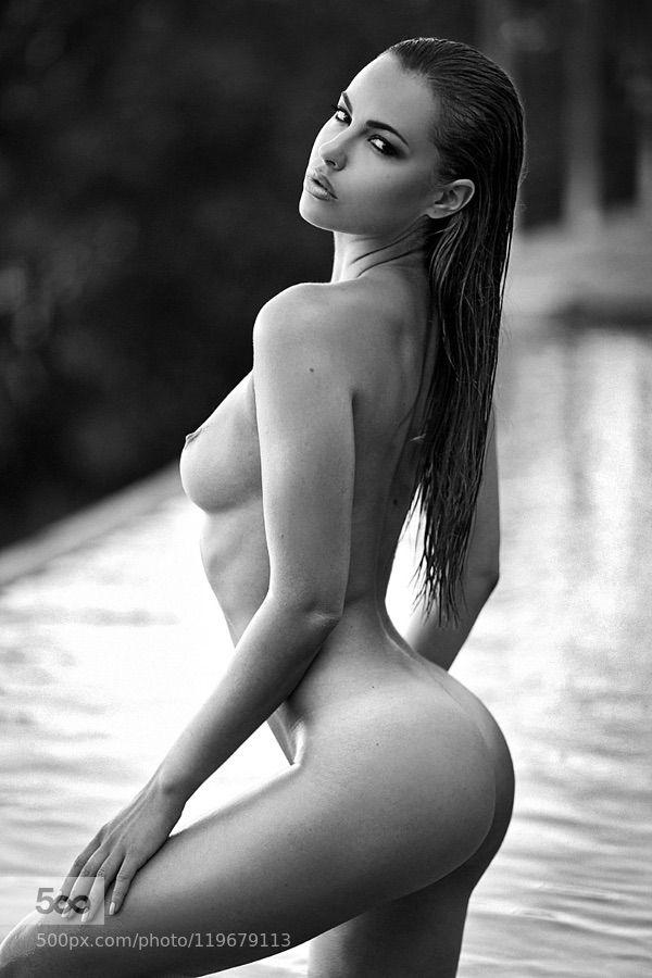 hot ass naked selfie girl