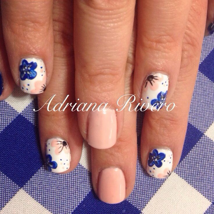 #naturalnail #nails #nude #white #marine #flowers #handpainted #laquerpro #shortsize