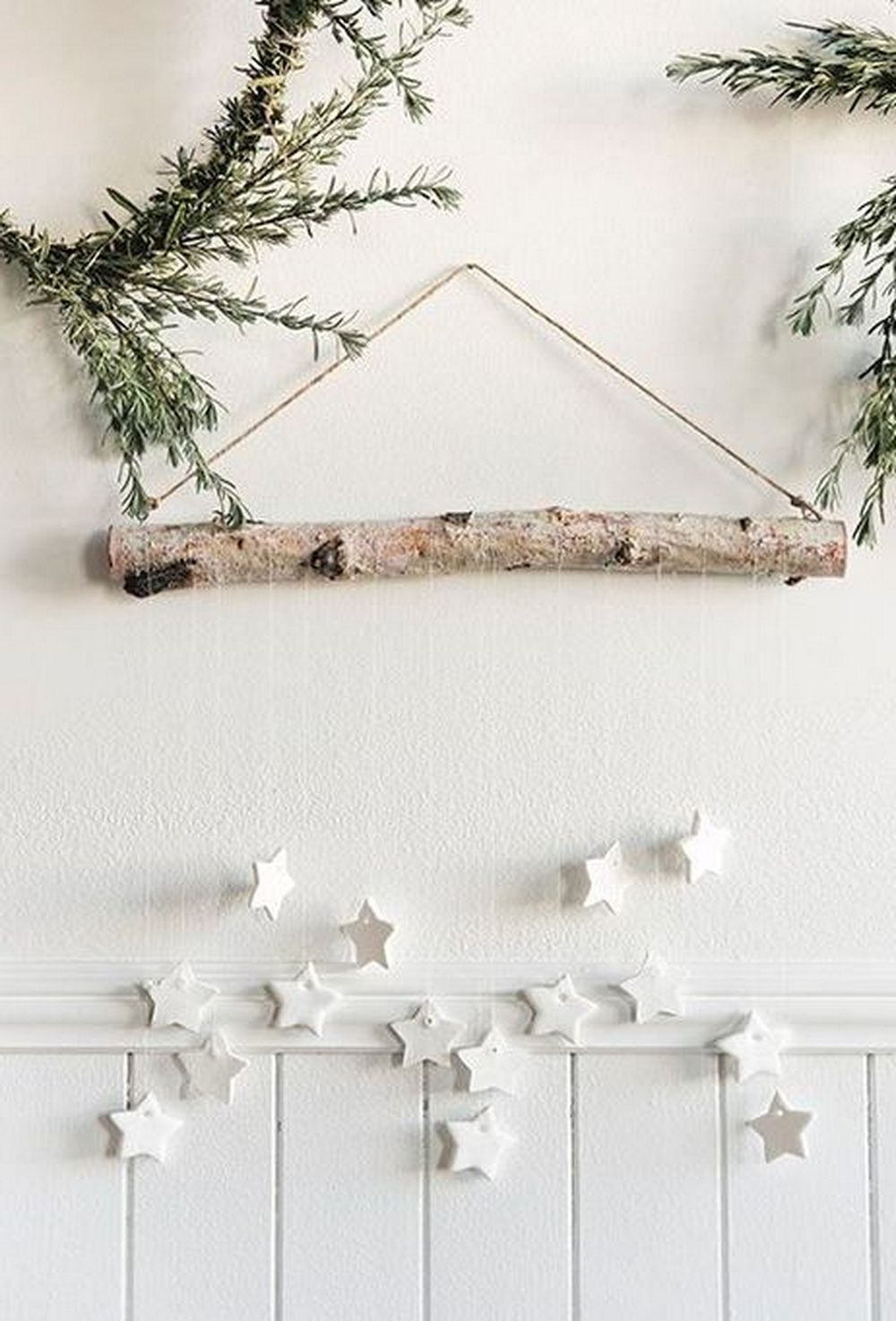 25 Outstanding Scandinavian Holiday Decoration Ideas That Will Inspire You Scandinavian Christmas Decorations Christmas Decor Diy Scandinavian Christmas