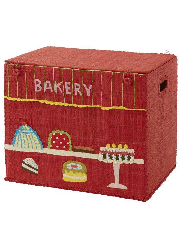 Spielzeugkorb Die kleine Bäckerei lädt zum Spielen ein, und anschließend kann alles im inneren des Korbes verstaut. Der Korb lässt sich mühelos zusammenfalten, von Rice.