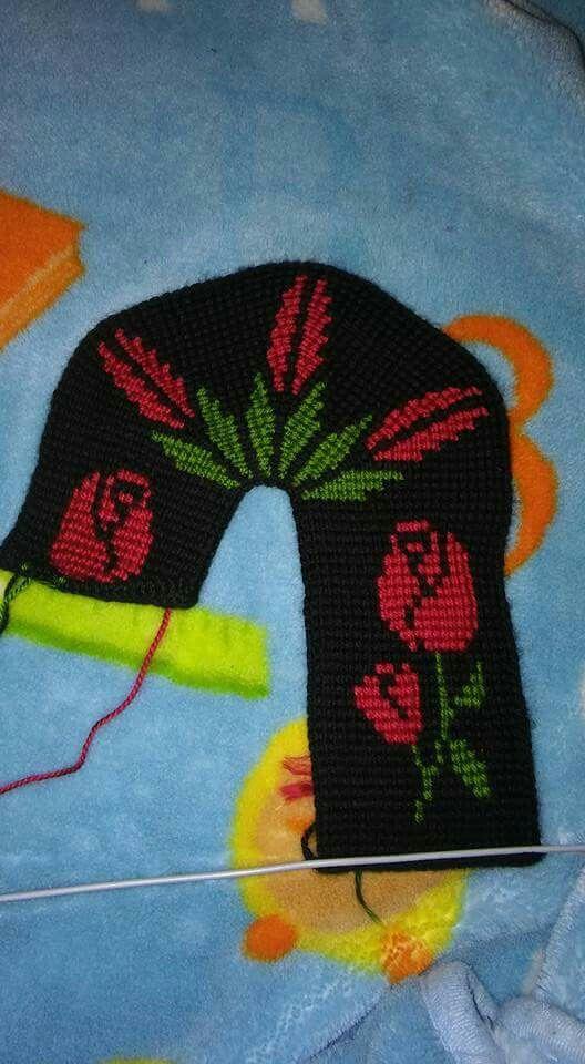Pin von Sharon Smither auf Tunus işi patik=Tunisian Crochet Slippers ...