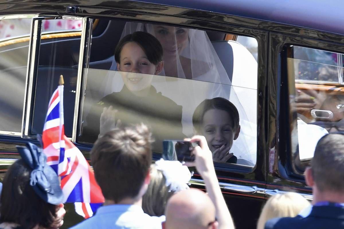 Smiling Page Boy Photobombs Meghan Markle At Royal Wedding Prince Harry And Meghan Royal Wedding Jessica Mulroney