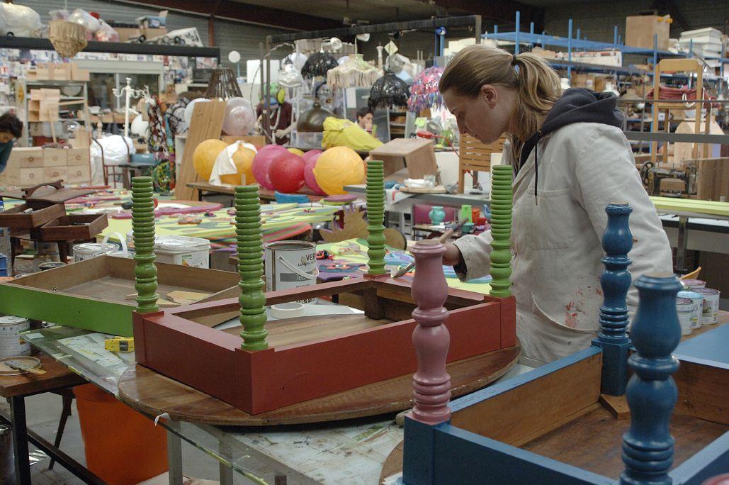 finition sur une table par carole b n vole l 39 atelier d. Black Bedroom Furniture Sets. Home Design Ideas