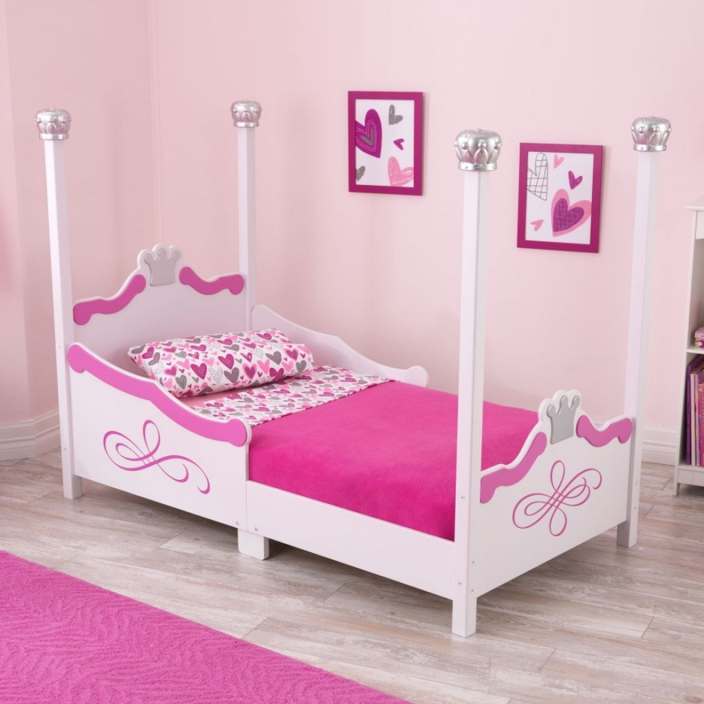 Chic Princess Themed Bed Frame With Canopy With Pink Bedding Set With Chic Pink Wall Arts & Chic Princess Themed Bed Frame With Canopy With Pink Bedding Set ...