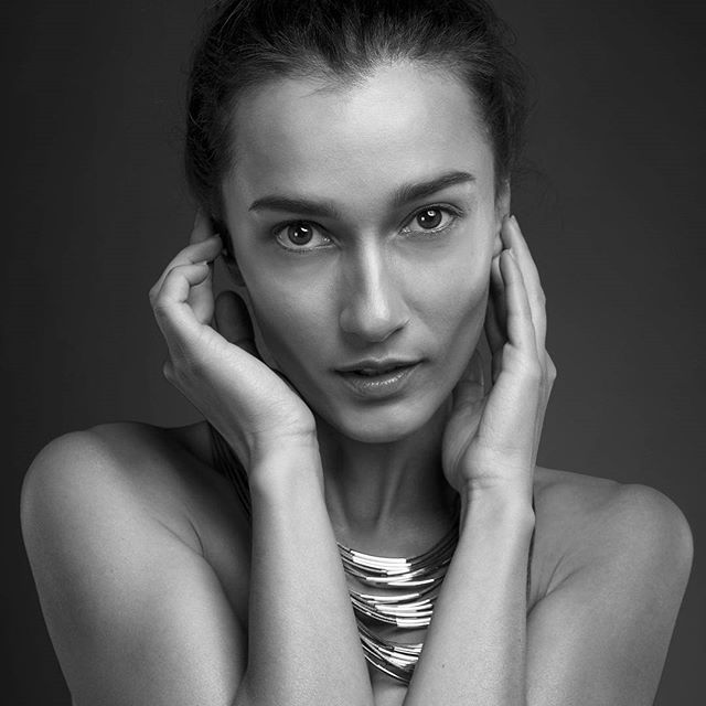 Black and white portrait image by photographer armin reinhardt