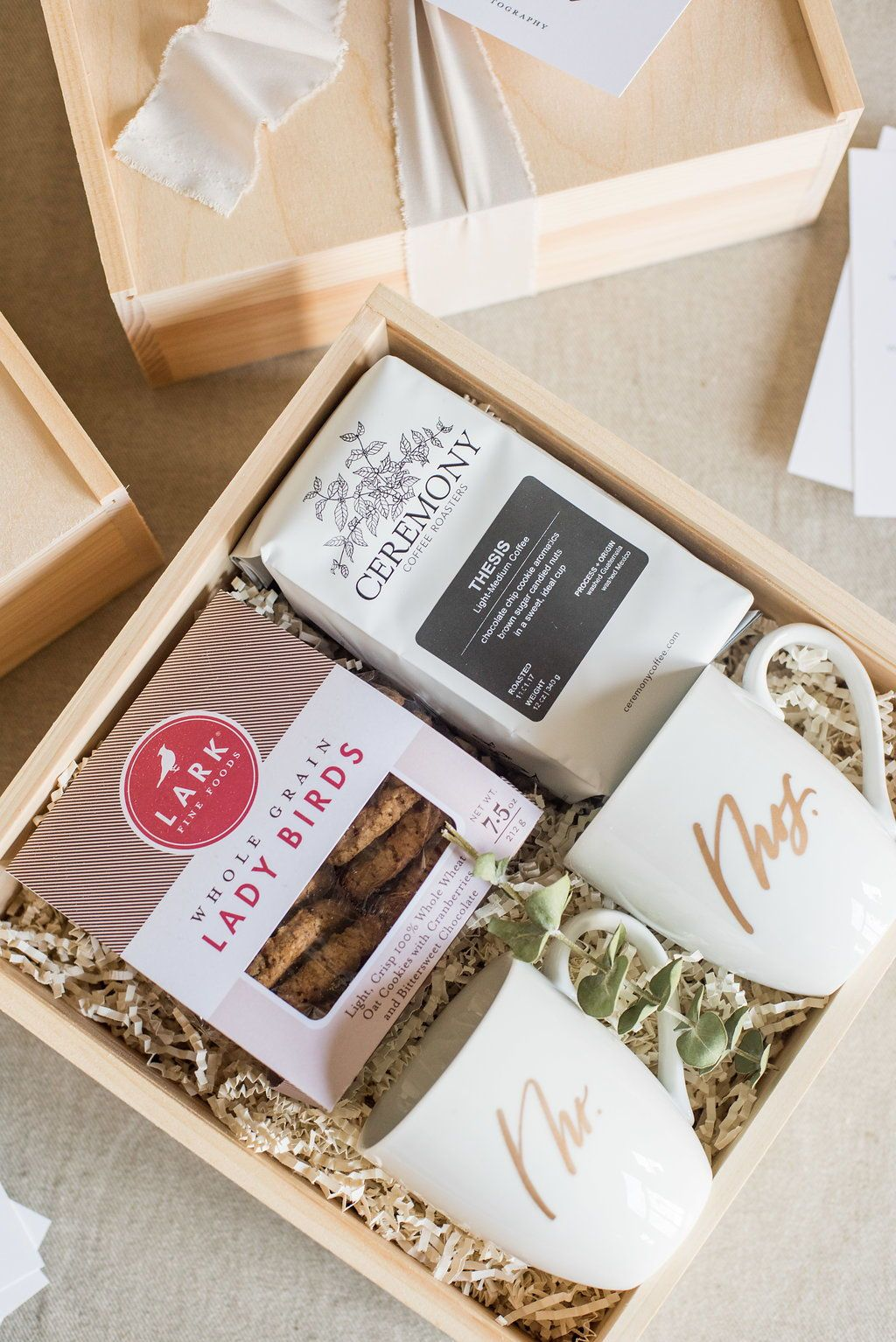 What To Include In Wedding Welcome Bags Part 1 Of 3 In 2019 Pre