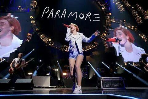 I heart radio paramore 2014