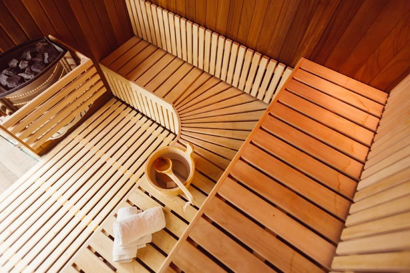 Sauna einrichten: Dekoration und Zubehör
