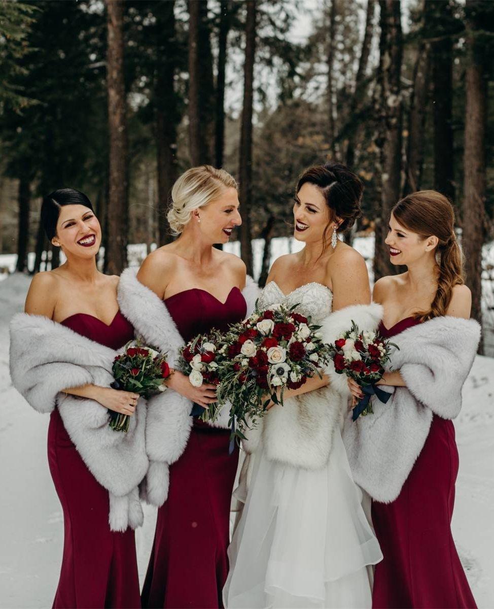 Light Gray Fur Shawl Silver Fur Bridal Wrap Wedding Fur Etsy In 2020 Winter Wedding Dress Winter Bridesmaids Wedding Fur
