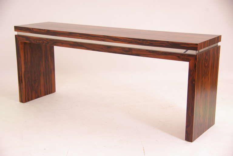1stdibs.com | Mid Century Modern Rosewood Console Table | 収納