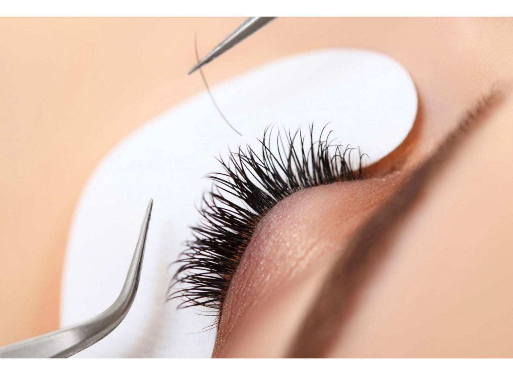 Méthode cil à cil Eyelashes, Hazel eyes, Silk eyelash