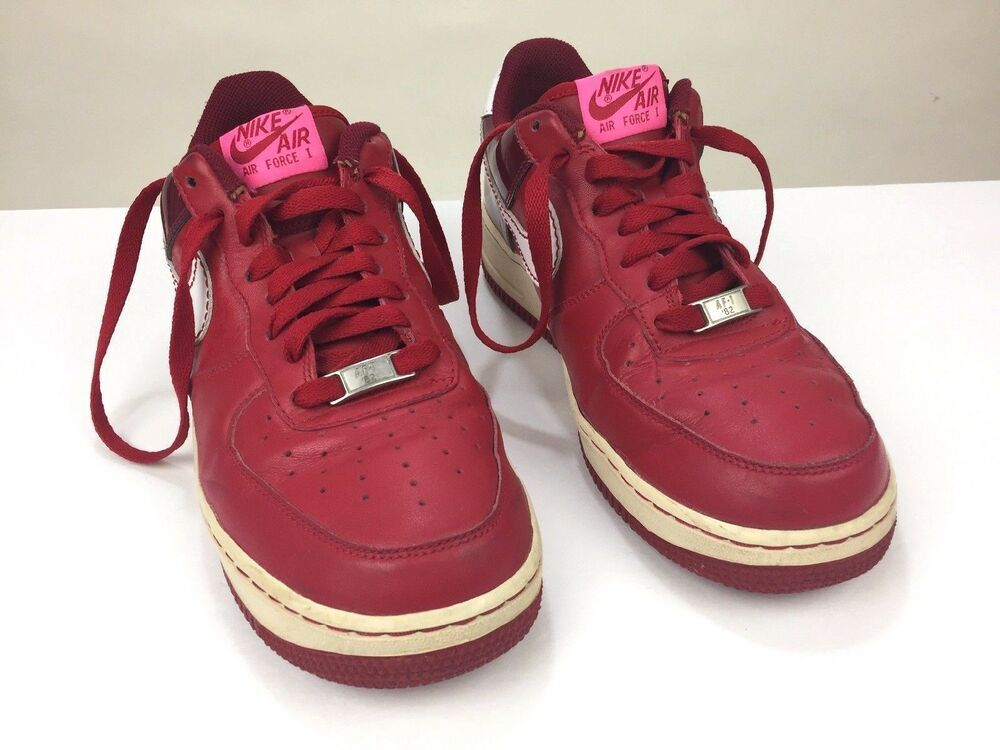 9f8cefbacfd76 Nike Womens Size 9 Air Force 1 Low 2007 - Valentines Day Varsity Red ...